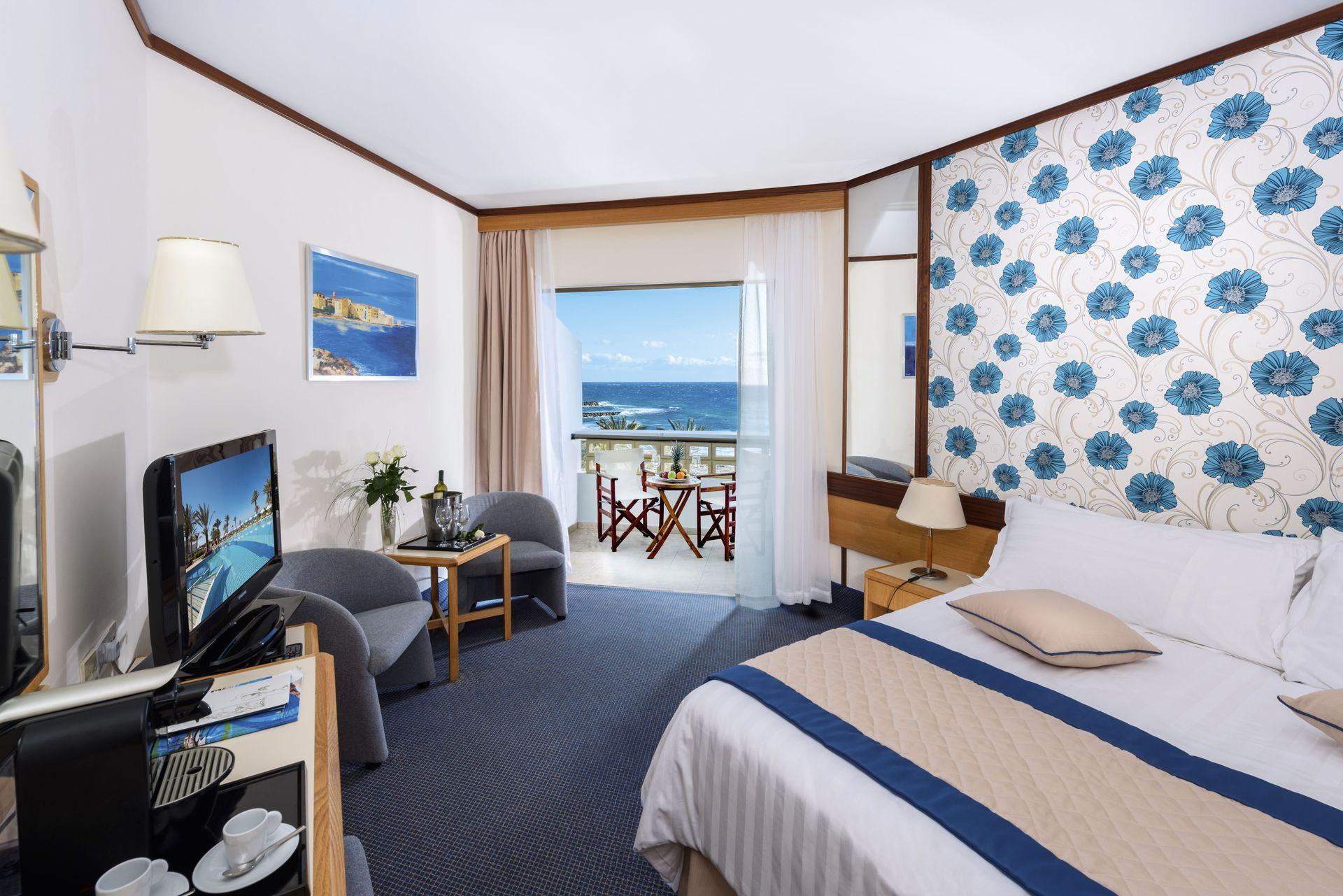 _13 athena royal beach hotel standard room a_aug1799_resized