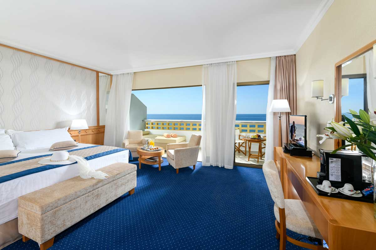 35-ATHENA-ROYAL-BEACH-HOTEL-JUNIOR-SUITE-SV