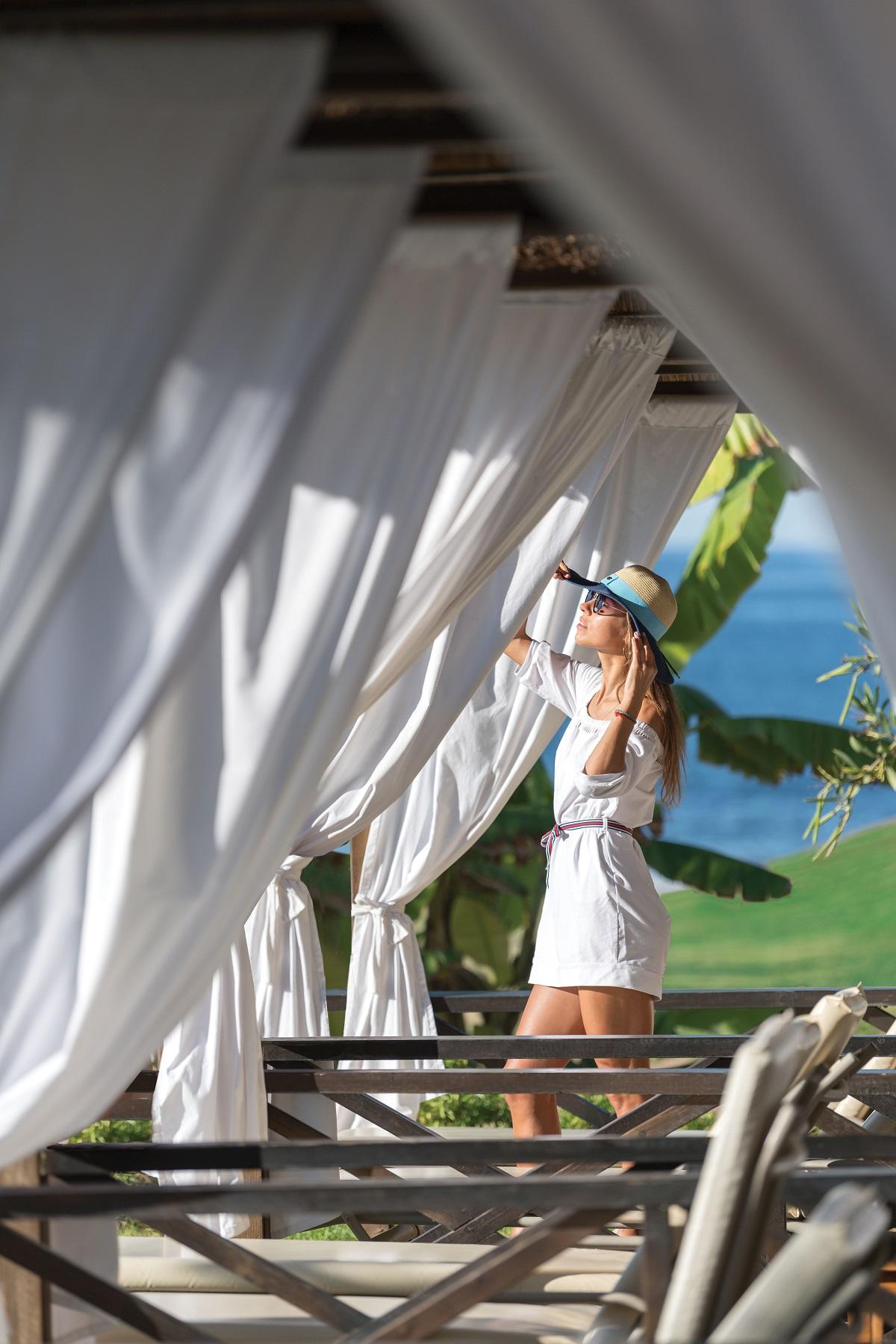 12 ATHENA ROYAL BEACH HOTEL CABANAS