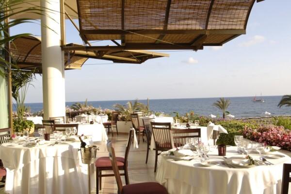 17 ATHENA ROYAL BEACH HOTEL PYGMALION RESTAURANT