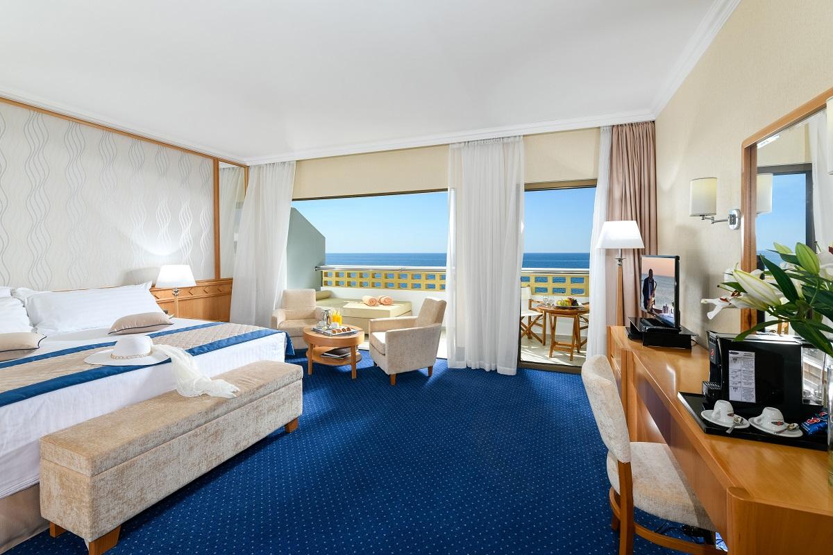 35 ATHENA ROYAL BEACH HOTEL JUNIOR SUITE SV